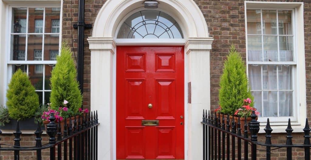 feng-shui-red-front-door