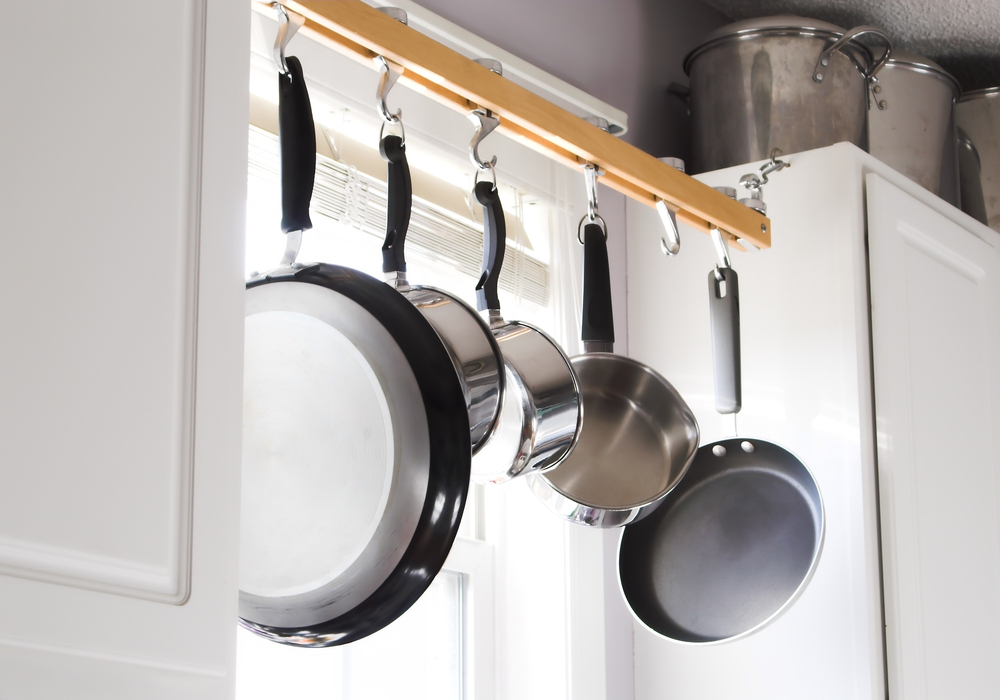 hanging-rack-for-pots-and-pans
