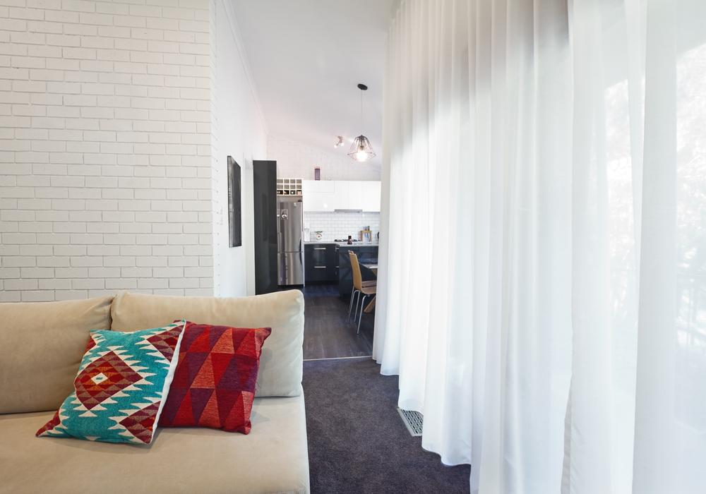 sheer-drapes-curtain