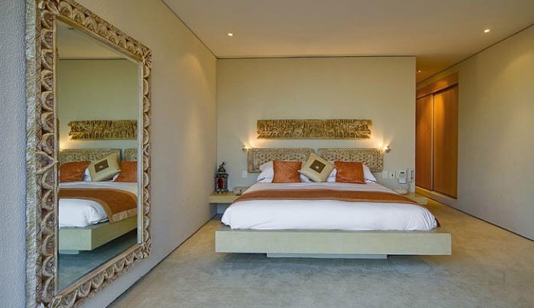 Large Mirror In Small Bedroom