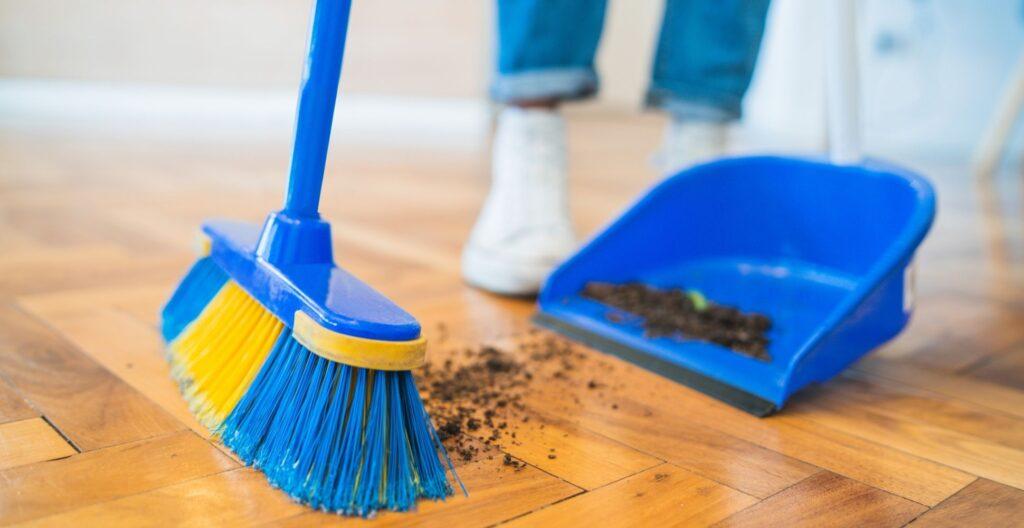best-indoor-broom