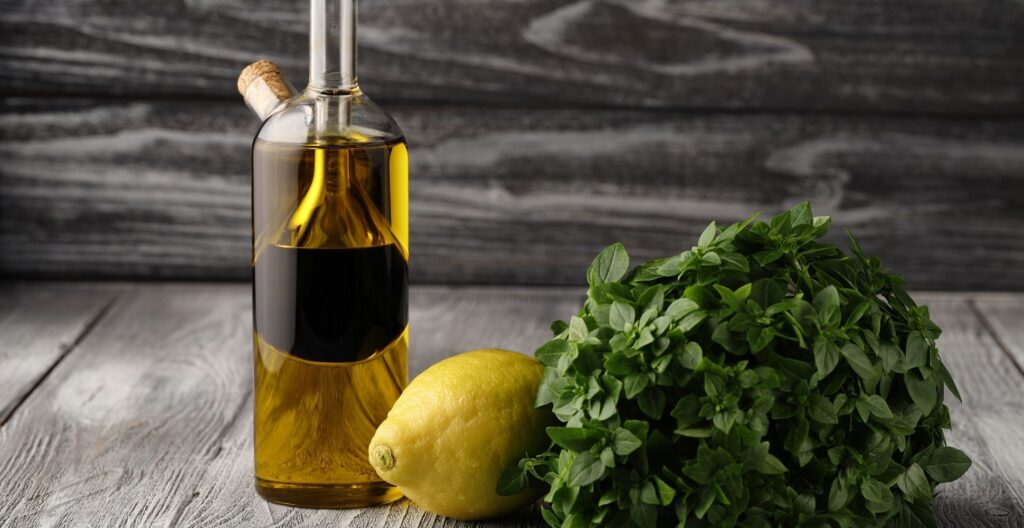 best-oil-and-vinegar-pourer